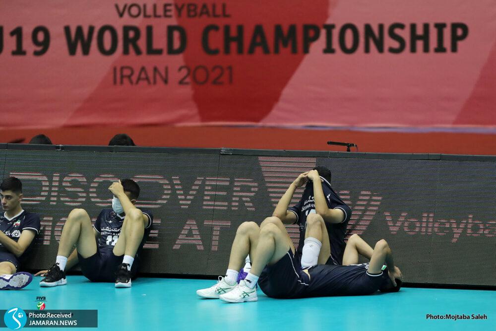 اشک های والیبالیست های نوجوان ایران بعد از شکست مقابل لهستان