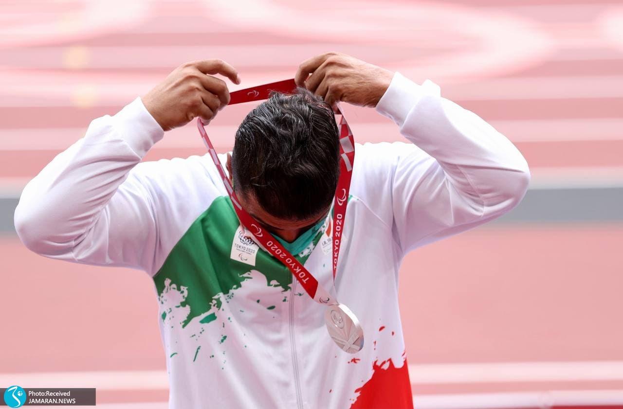 لحظه اهدای مدال امان الله پاپی در پارالمپیک 2020