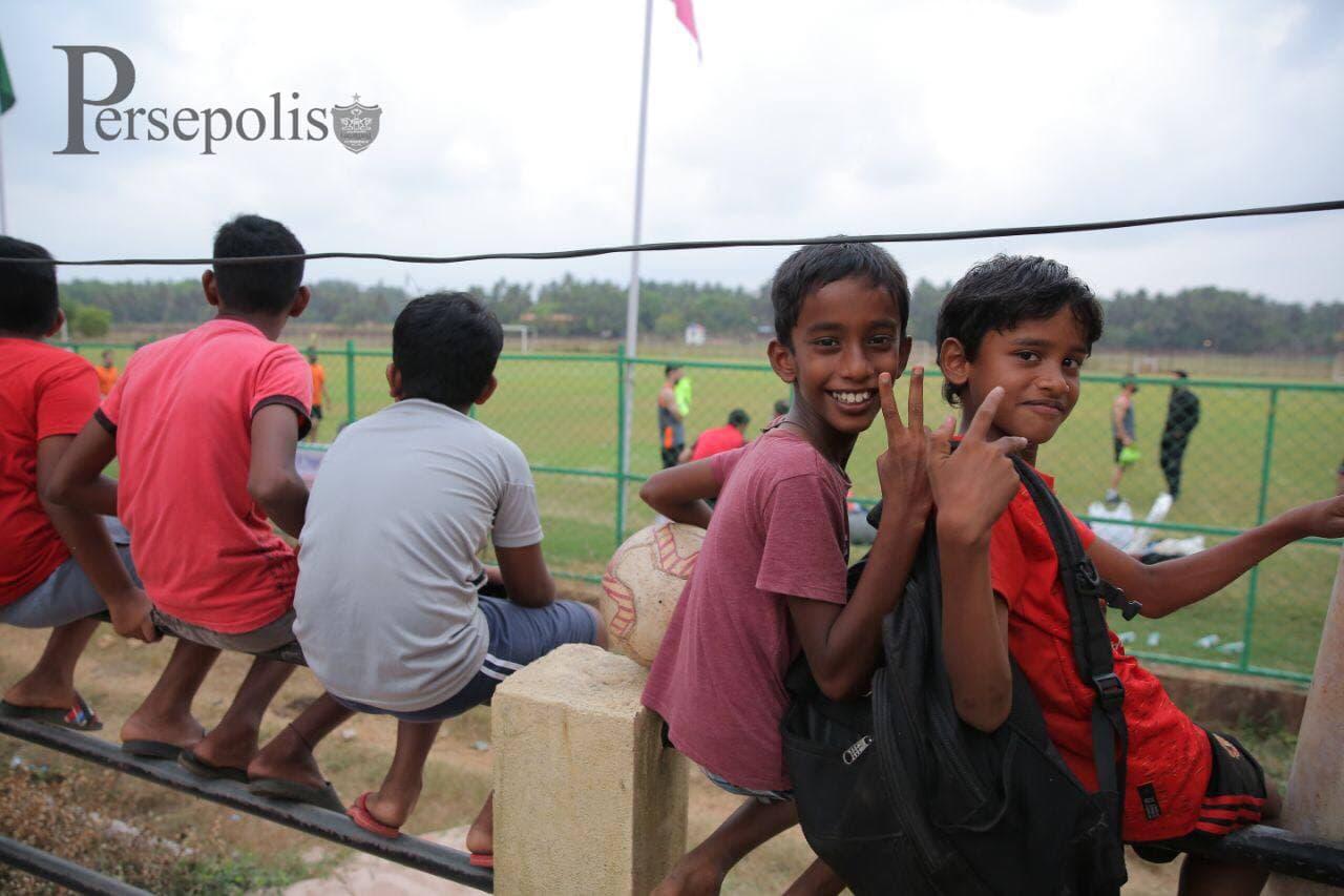 کودکان هندی تماشاگر ویژه پرسپولیسی ها