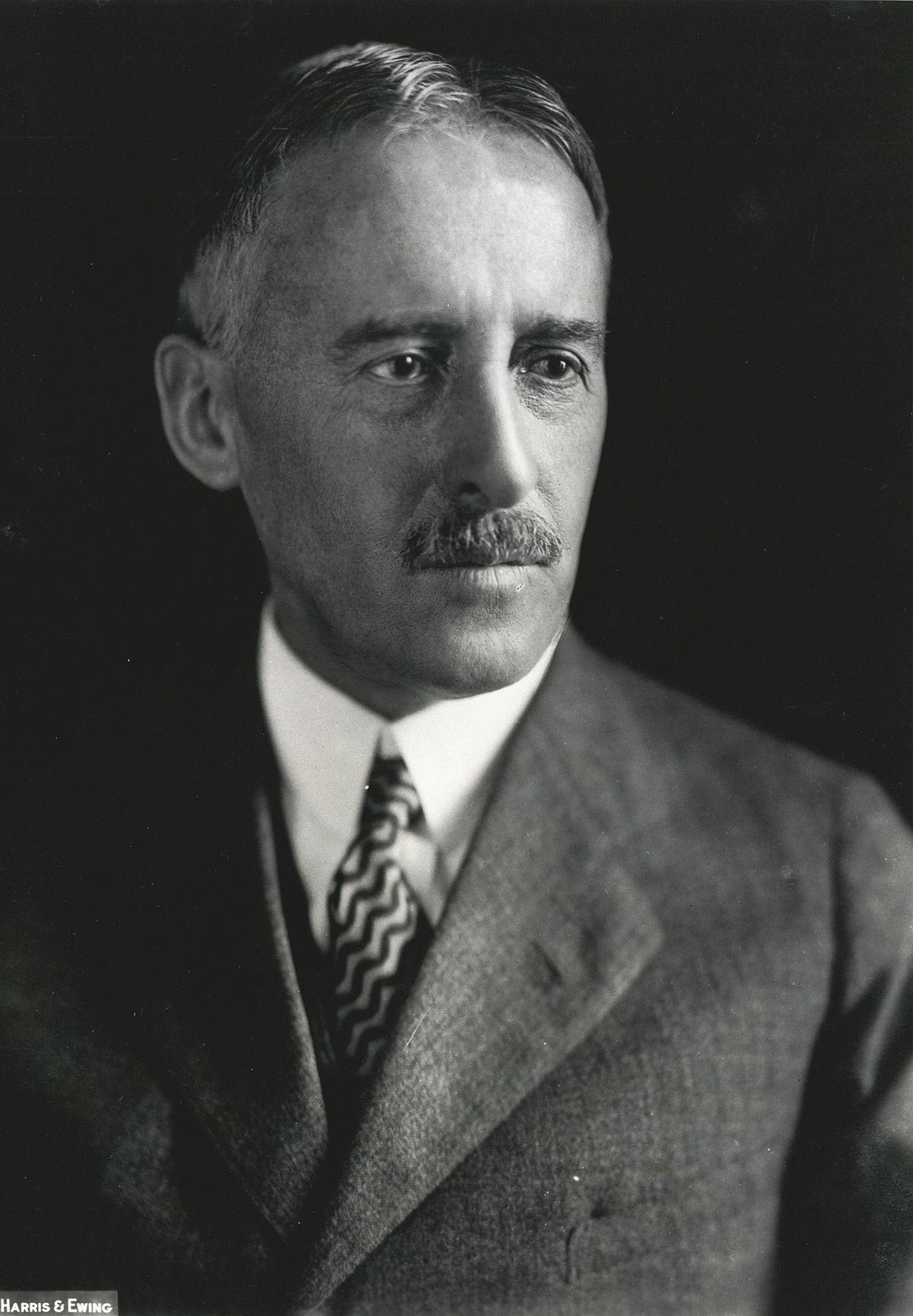 1200px-Henry_Stimson__Harris_&_Ewing_bw_photo_portrait__1929