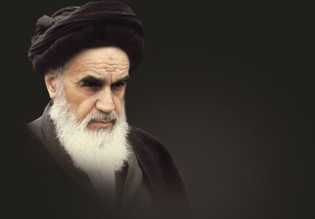دستگاههای فرهنگی جوانان را با سیره و اندیشه های امام خمینی(ره) آشنا سازند