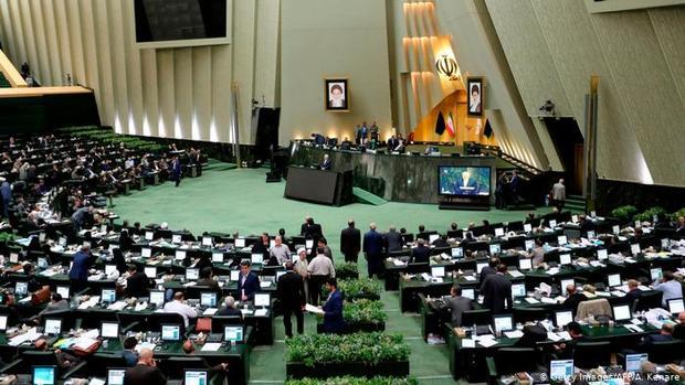 پروندهی جانباختگان و مصدومان تشییعِ کرمان در مجلس بررسی میشود