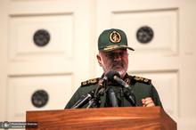 سپاه به آسیب دیدگان کرونا بسته معیشتی می دهد