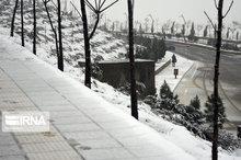 بارش برف و خانهنشین شدن مردم میتواند امری مبارک باشد