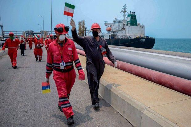 از خدمه کشتی نفتکش ایرانی اعزامی به ونزوئلا تقدیر شد