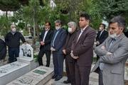 معلمان کرجی مزار شهدای امامزاده محمد (ع) را گلباران کردند