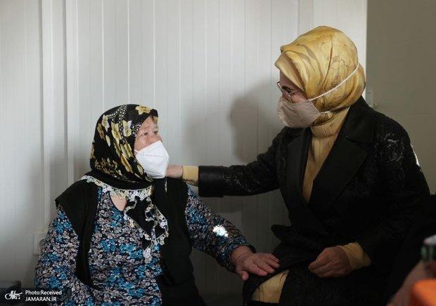 همسر رئیس جمهور در جمع زلزله زدگان+ تصاویر