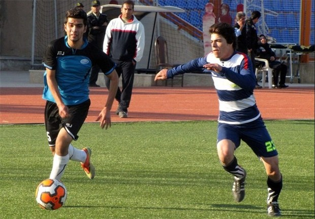 تیم فوتبال نوین فولاد یزد از سپاهان اصفهان شکست خورد