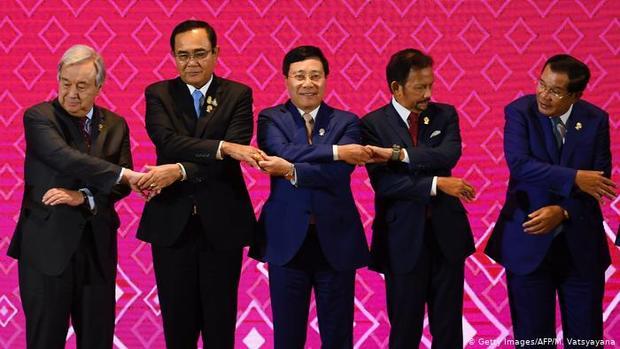 نشستی برای دستیابی به بزرگترین توافق تجارت آزاد جهان