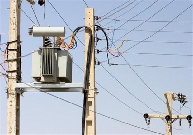 شبکه برق آسیب دیده از سیل در شهرستان باوی اصلاح شد