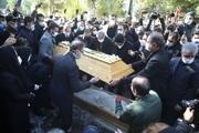 پیکر استاد محمدرضا شجریان به خاک سپرده شد / گزارش مراسم تشییع از تهران تا مشهد + عکس و فیلم