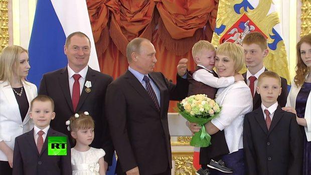 روسیه برای تولد فرزند سوم یک خانه هدیه میدهد | پایگاه خبری جماران