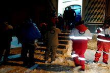 نجات 47 کوهنورد و 26 خودروی گرفتار برف در آذربایجان شرقی