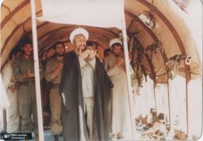 تصاویری از حضور مرحوم آیت الله العظمی صانعی در جبهه