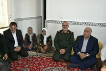 سپاه برای بازسازی هر واحد زلزله زده 300میلیون ریال کمک کرد