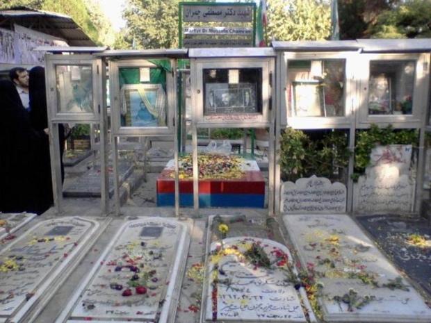 شهردار تهران بر حفظ شکل طبیعی مزار شهدا تاکید کرد