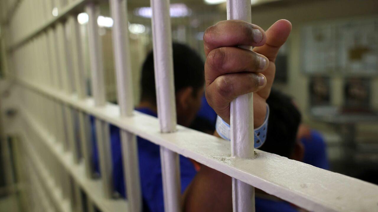 خانواده زندانیان انار حمایت میشوند