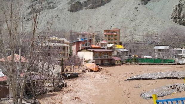 فرمانداری شمیرانات: مسیر زردبند به فشم مسدود است