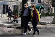 نارضایتی آمریکایی ها از عملکرد دولت ترامپ در مقابله با کرونا