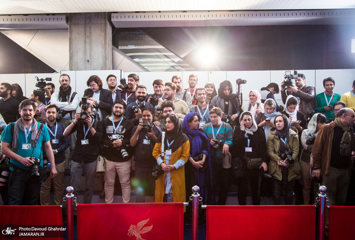 وقتی عکاسان در جشنواره فجر، سر هم را تراشیدند! + فیلم