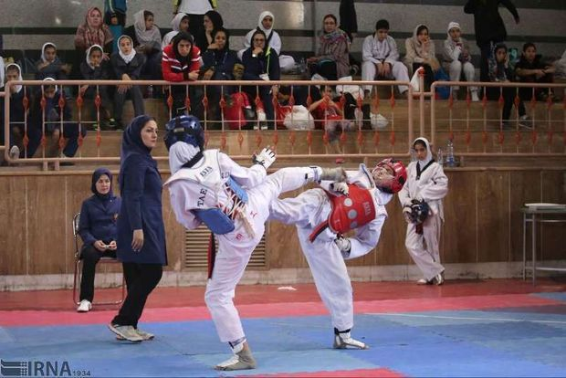 تیم تکواندو دختران قزوین در مسابقات کشوری سوم شد