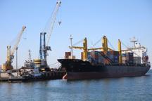 ورود کشتی حامل 27 دستگاه کانتینر تجهیزات مکندههای تخلیه غلات در بندر چابهار