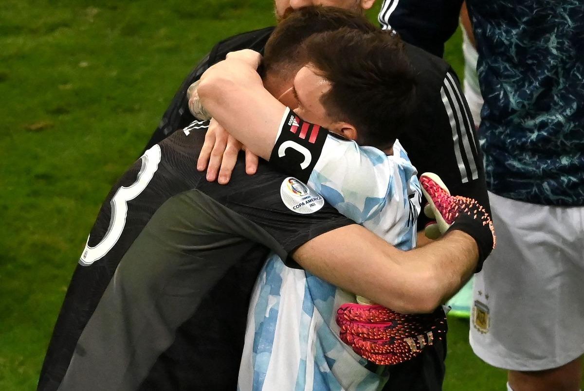 اشک های مسی پس از صعود آرژانتین به فینال کوپا آمریکا+عکس