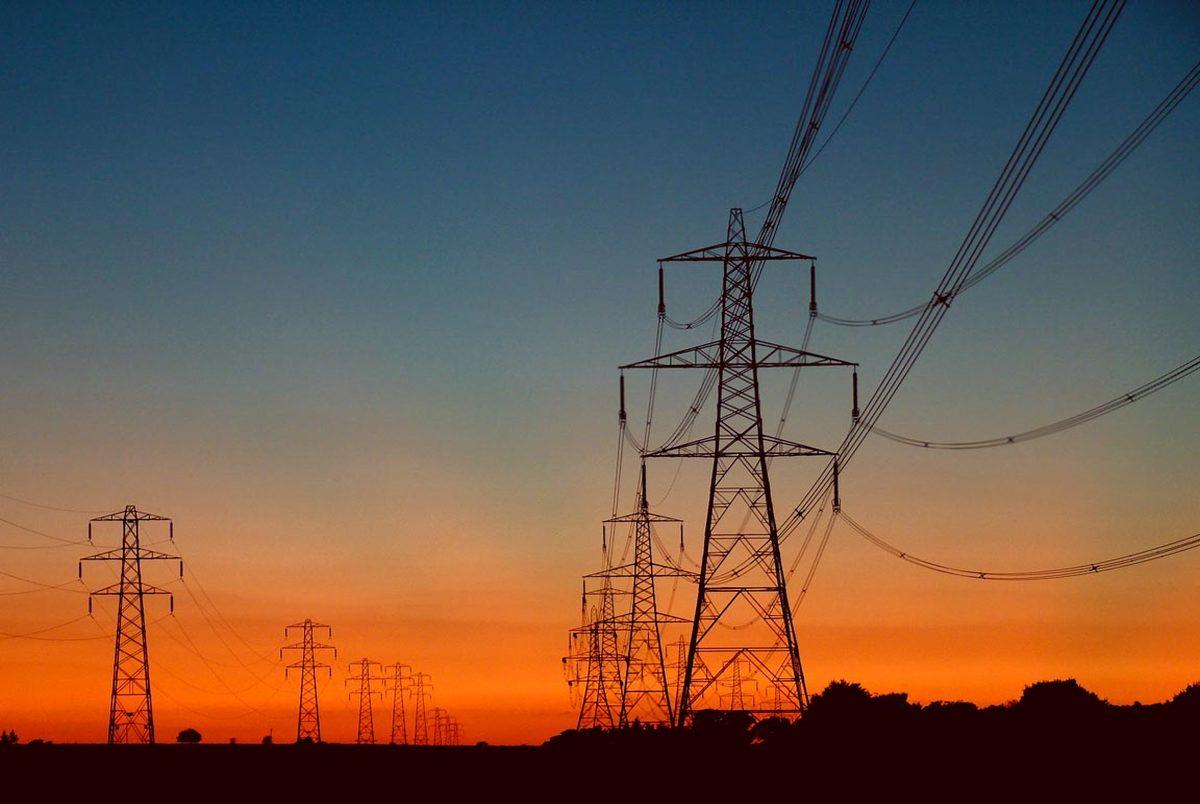 ایران از کدام کشورها برق وارد می کند؟/ چه کسانی بیشترین مصرف برق را در کشور دارند؟