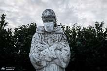 کاری که کرونا با مجسمه های سراسر جهان کرد