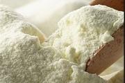 ۱۲ تن شیرخشک قاچاق در گیلانغربکشف شد