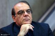 عباس عبدی: در این وانفسای مشکلات، تلویزیون بر آتش بنزین می ریزد