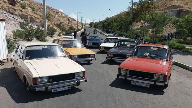 همایش خودروهای کلاسیک، اسپورت و آفرود در تبریز برگزار شد