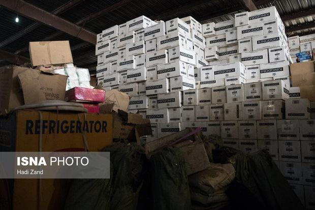 کشف بیش از چهار میلیارد ریال مواد غذائی قاچاق در بندرعباس