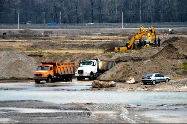 برداشت غیر مجاز شن و ماسه از رودخانه های سقز به صفر رسید