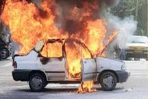 خودرو پراید در مشهد واژگون و طعمه حریق شد