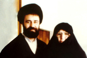 حاج احمد آقا چگونه از مادر دلجویی می کرد؟