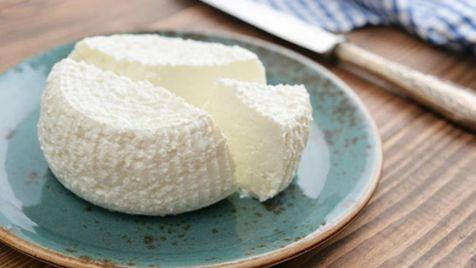 با خوردن پنیر، خستگی را از خود دور کنید