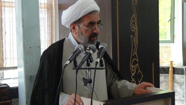رئیس مرکز بزرگ اسلامی غرب کشور: ائمه جمعه باید عامل وحدت در جامعه باشند