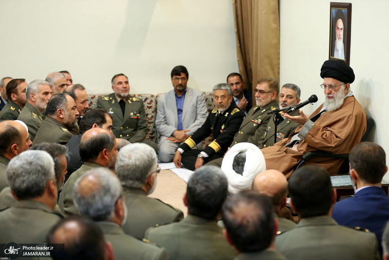 دیدار فرماندهان ارشد ارتش و جمعی از فرماندهان و کارکنان نیروی زمینی با فرمانده کل قوا