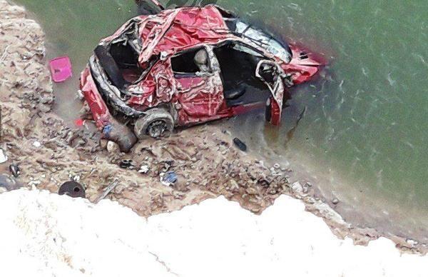 سقوط خودرو به دریاچه سد بوستان کلاله ۳ کشته داشت
