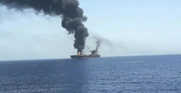 حادثه برای چند کشتی در نزدیکی سواحل امارات/ واکنش ایران: مشکوک است!