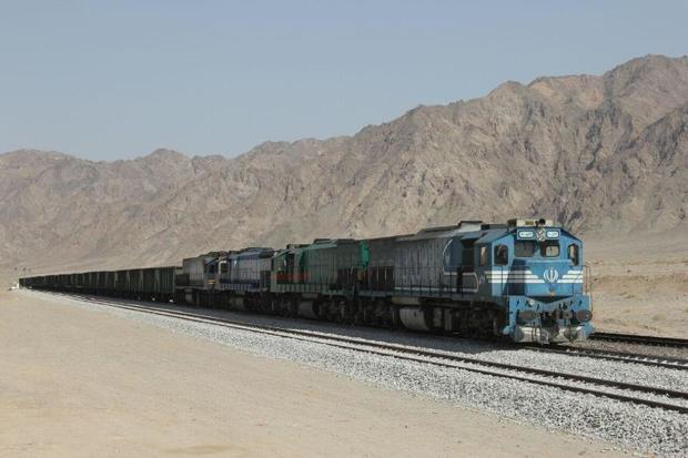 فرماندار: ایستگاه راه آهن سمنان هر 20 دقیقه پذیرای یک رام قطار است