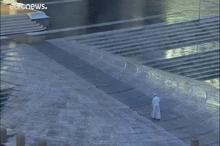 پاپ فرانسیس در محوطه خالی واتیکان مراسم دعا را اجرا کرد