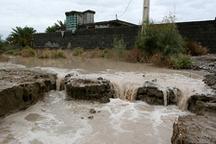جاریشدن سیل در شهر جوشقان قالی کاشان  خسارت به منازل مسکونی و مزارع کشاورزی