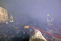 کارگاه تولید مصنوعات چوبی در مشهد آتش گرفت