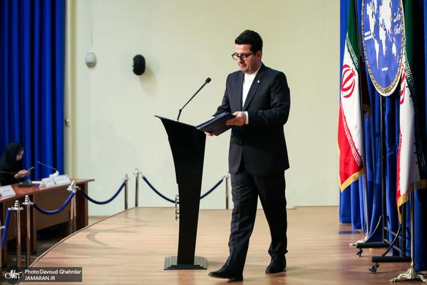 جمهوری اسلامی حفظ منافع اقتصادی و امنیتی  در خلیج فارس ادامه خواهد داد