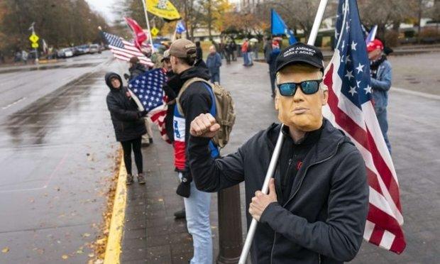 اردوکشی خیابانی ترامپ و ادامه مقاومت در برابر تحویل قدرت به بایدن