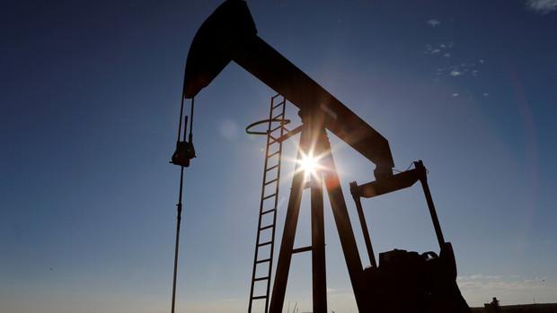 قیمت نفت در سایه واکسن کرونا به بالای 60 دلار رسید