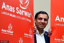 نخستین مسلمانی که رهبر یک حزب سیاسی در انگلیس شد،کیست؟+ تصاویر