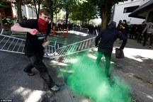 تصاویر/ درگیری خونین هواداران و مخالفان ترامپ در یکی از شهرهای آمریکا